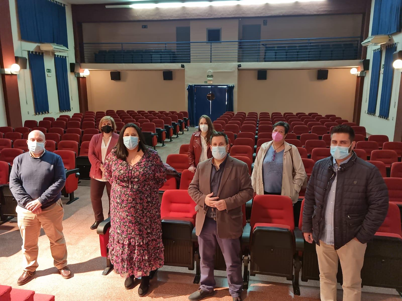 Finaliza la Instalación de Butacas Nuevas en el Centro Polivalente