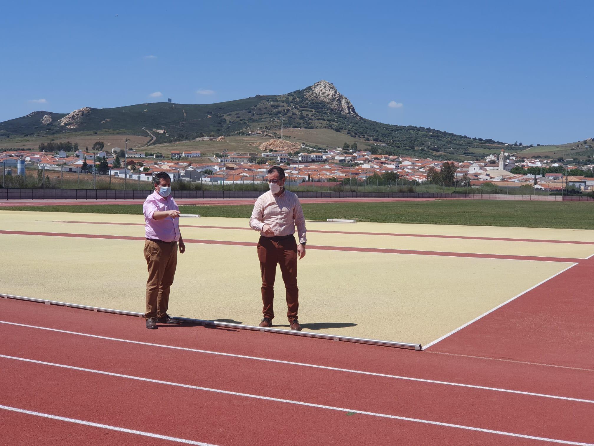 El Ayuntamiento Adapta la Pista de Atletismo a la Nueva Normativa