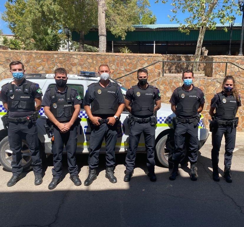 El Ayuntamiento dota de chalecos de seguridad a la Policía Local