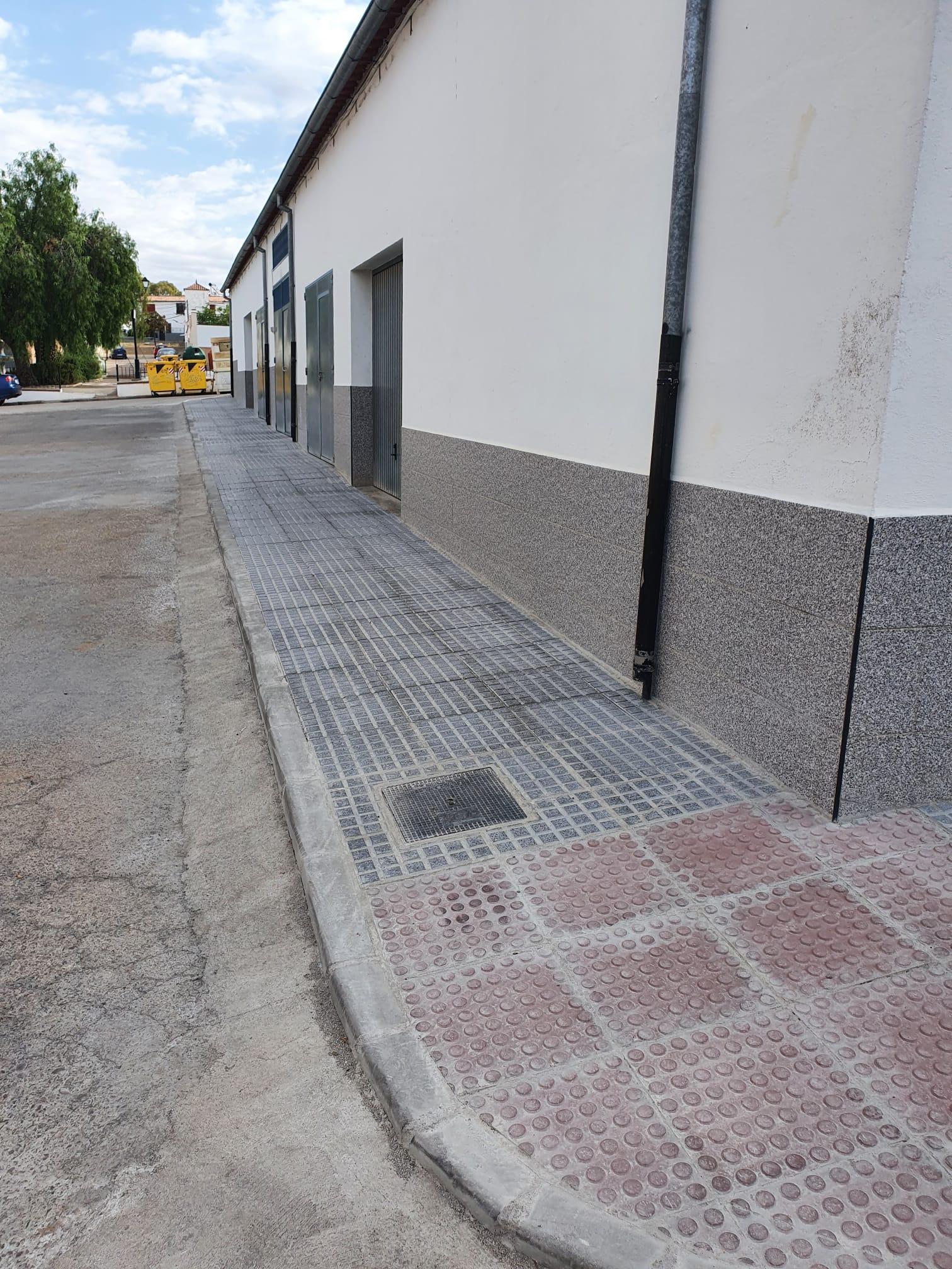 Finalizadas obras de mejora de la calle Reyes Católicos